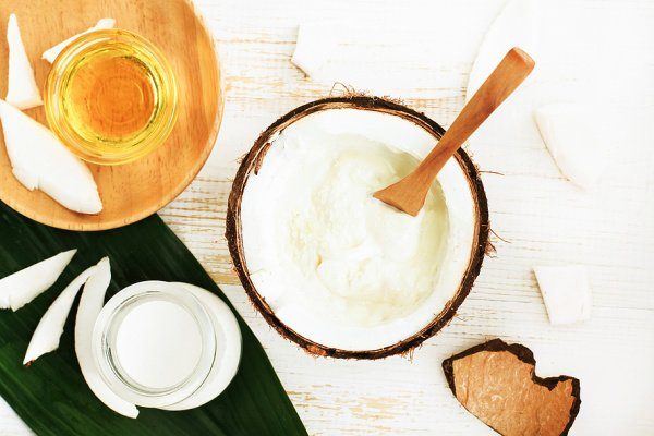 7 Coconut Oil Hair Masks | Coconut oil offers so many health benefits, and it's good for your hair too! If you're looking for DIY and/or drugstore hair masks for growth, to restore damaged hair, and/or to treat dandruff, this post is for you! You can create your own homemade hair mask recipe for your specific hair woes, and you will be amazed at the results. Perfect for dry scalp, split ends, and gals looking for hair growth tips, these hair masks are where it's at!