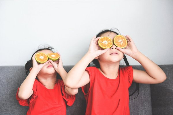 9 Immune Boosting Tips for Kids | If you're looking for natural immune boosters for kids, this post has lots of great ideas to help. While many moms use vitamins and essential oils, we're focusing on lifestyle changes and the best all natural food options to add to your grocery list so you can create healthy meals and immune boosting smoothie, juice, tea, and soup recipes your toddler, child, tween, and/or teen will love!