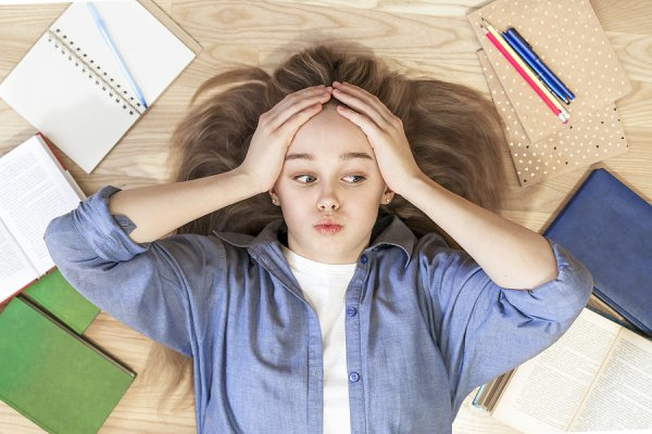 9 Teen Stress Management Tips | Parenting teens isn't for the faint of heart. Whether you have teenage daughters or teenage boys, it can often feel like an emotional rollercoaster. You just don't know what to expect from one minute to the next! If you're on the hunt for positive parenting tips to help you help your teenage girl or boy navigate stress while still maintaining a positive parent-child relationship, this post has lots of great tips and ideas to help!