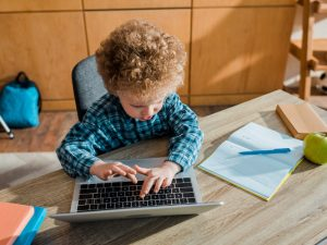 11 Typing Games and Apps for Kids   If you're looking for ways to make keyboard practice fun for your kids, this post is for you! Perfect for elementary school and for middle school, we've curated tons of free and paid ideas for students that can be used in the classroom and at home. Whether your child is a complete beginner, or you're looking for tips to increase his or her typing speed, these typing activities will help your kids learn to type the fun way!