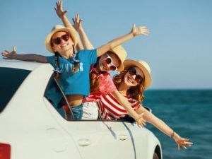 Surviving Long Car Rides with Kids | Family road trips can be fun, but when you're traveling with kids (particularly toddlers!), the time spent in the car can test even the most patient mom's sanity. If you want to know how to survive long car rides with kids, we're sharing our best travel hacks and ideas for staying sane. From knowing what to pack, to figuring out when to travel (Morning? At night?), to organizing car activities, to preparing for detours and emergencies, these tips will help!