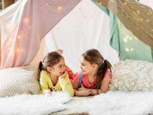 21 Sleepover Activities for Kids | Slumber parties are the best when you're a kid! If your child is having one or several friends spend the night - or having a sleepover with their favorite cousin or other family members - we've curated tons of easy and fun things to do for girls and for boys. Whether you're celebrating a birthday, or just trying to make your little girl's next sleepover extra special, these ideas are awesome. We've even included virtual sleepover activities to inspire you!