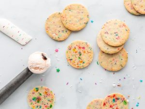 55 Funfetti Recipes For Every Occasion   Whether you like cake mix desserts or prefer making your own, these easy funfetti recipes will not disappoint! From traditional funfetti birthday cake, to cake pops and cupcakes, to cookies and blondies, to Oreo cheesecake bars (omg...) and more, these recipes do not disappoint! We've also included the best recipes to teach you how to make homemade funfetti cake mix from scratch, with tons of fun ideas for every holiday and celebration.