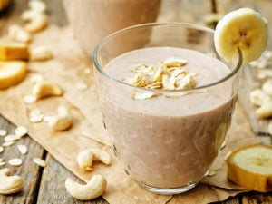 30 Cashew Milk Recipes | Whether you're lactose intolerant, vegan, or looking for healthy dairy free recipes that are low in sugar, this post will teach you how to make cashew milk in 4 easy steps, with 30 delicious food and drink recipes you'll wish you tried sooner! From a banana cashew smoothie, to vanilla crunch protein bars, to pumpkin scones with chocolate chips, to cashew chicken and mango salad, cooking with cashew milk has never tasted so good! #cashewmilk #dairyfreerecipes