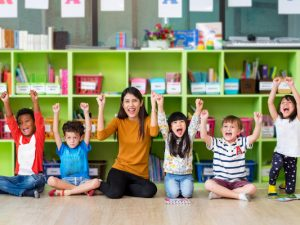 Kindergarten Readiness Checklist | If you're looking for an assessment to see if your kids are ready for kindergarten, this post is for you! While some parents like to track their child's progress and ensure they have mastered every single skill they need for school, others just want basic ideas of which lessons to focus on. Wherever you fall on the spectrum, this is a great guide, and we've included 11 fun kindergarten prep activities to boot! #kindergartenreadiness #kindergartenprep