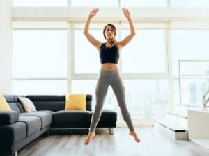 5 Powerful Plyometric Exercises for Beginners | Do you want to take your cardio to the next level? These fat burning plyometric workouts will help you boost your power, speed, and endurance while also burning calories. These exercises will also help you build muscle, which will boost your metabolism and help you lose weight. Great for runners who are looking for speed and strength training, these HIIT workouts require minimal equipment (a jump rope and box step at most!).
